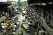Marchés flottants au environs de Bangkok